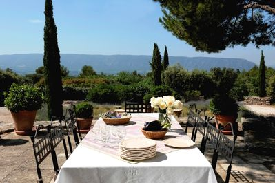 Lunch is on, at the terrace of Les Murets!  Won't you join us?
