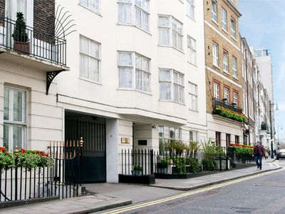 Photo for Mayfair Serviced 2 bedroom Apartments - Ideal for Families - 5 days Maid Service