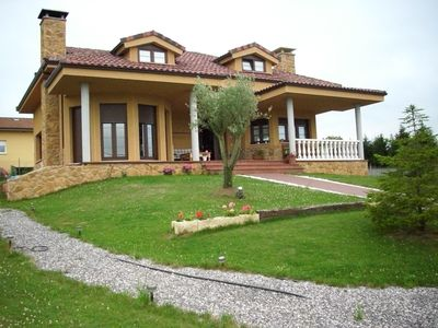 Photo for Fantastic villa of 200 m2 in Siero (Asturias)