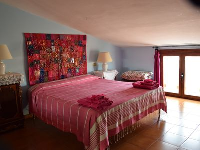 Photo for Cozy and colorful apartment 700 meters from the sea for up to 5 people.