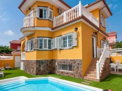 Photo for Vacation home Sonnenland Q10  in Maspalomas, Gran Canaria - 8 persons, 4 bedrooms