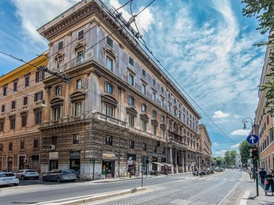 Photo for Apartment Pantheon Large Comfortable Apt in Roma: Piazza Navona - Campo dei Fiori - 8 persons, 4 bedrooms