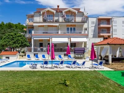 Photo for One bedroom Apartment, sleeps 2 in Vrsine with Pool, Air Con and WiFi
