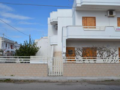 Photo for Apartment Near the Beach with Air Conditioning; Pets Allowed