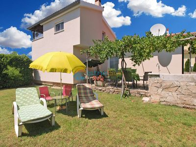 Photo for Apartment 1555/15956 (Istria - Valbandon), Family holiday, 2250m from the beach