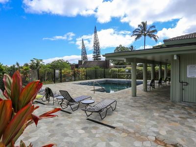 Photo for Puamana 18B - A/C in all 3 Bedrooms! Partial ocean views, Walk to beach