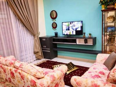 Photo for A luxurious homestay located just 800m from Lost World of Tambun, Ipoh
