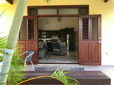 Photo for Beautiful One bedroom cottage close to beach, golf and amenities