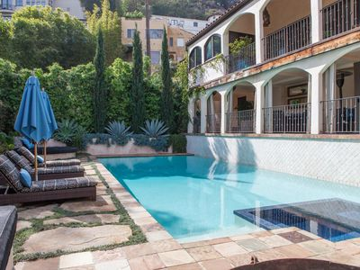 Photo for Crescent Heights Boulevard - luxury 4 bedrooms serviced apartment - Travel Keys