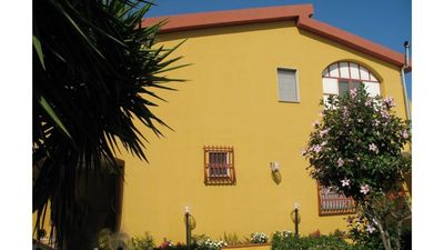 Photo for SYRACUSE - Villa + garden + FREE WiFi 100 meters from the sea in Contrada Ognina SR