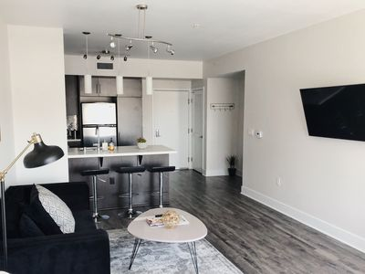Photo for Modern, Luxurious & Bright Hollywood Blvd Apartment