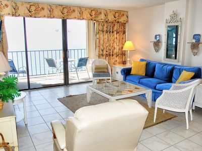 Oceanfront condo in coveted Arcadian Shores section near many local attractions!