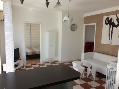 Photo for F3 south, WIFI, Air conditioning, Terrace, 5 minutes walk from the sea