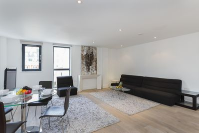 The living room combines with the dining area and follows London style.