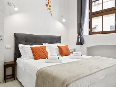 Photo for Stunning 2Bed flat next to Florence Central Market