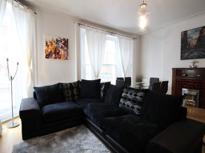Photo for Captivating 3 Bed/2 Bath Large Apartment in High Street Kensignton