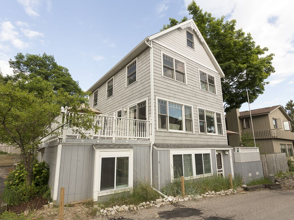 Cottage home perfect location steps from beach grand for Beach house designs south haven mi