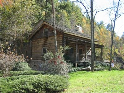 Authentic Log Cabin, 21 Acres, Rushing Trout Stream, Hot Tub, Wifi
