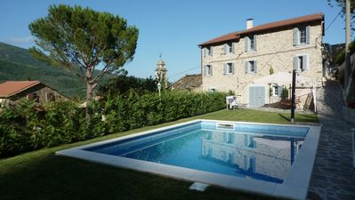 Photo for Luxury apartment in country house villa, 310 m², 3 terraces, pool, wifi