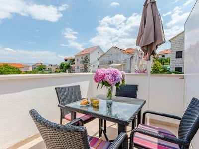 Photo for One bedroom apartment with terrace Sutivan (Brač)