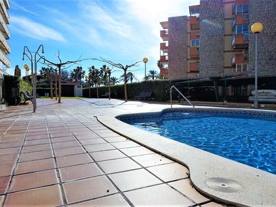 Photo for Spacious penthouse next to the beach of La Pineda.(PARK)