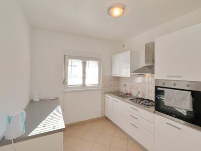Photo for Apartment Luka in Zadar - 6 persons, 2 bedrooms