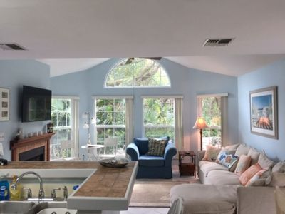 like living in a botanical garden -welcome the outside inside with great windows