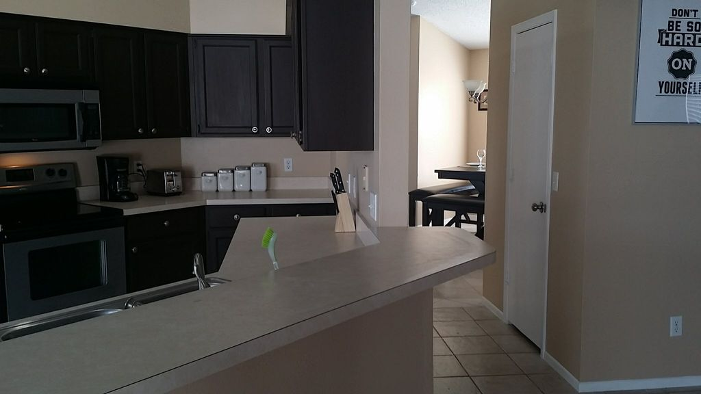 CHARMING AND LOVELY HOUSE  EXCELLENT LOCATION 10 MINUTES FROM DISNEY.