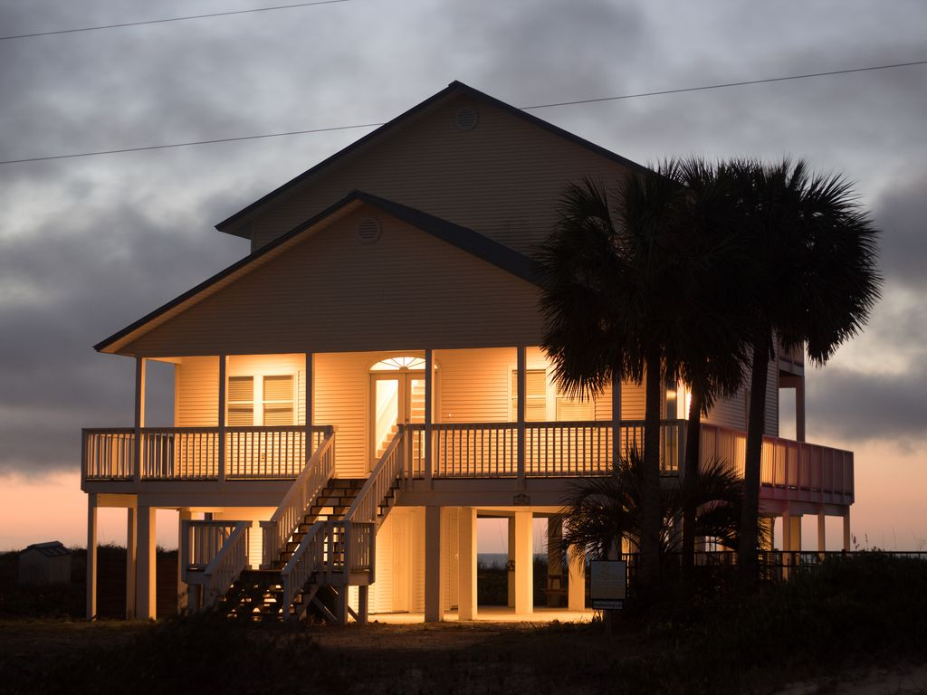 Tequila Sunrise Beachfront Pool Hot Tub Great Location Walk Everywhere Share East End St George Island