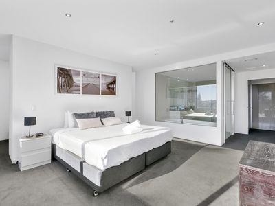 Photo for Circle on Cavill Residence 3 bed City View