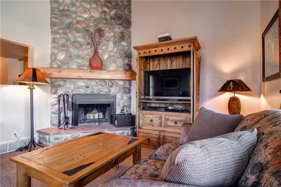 Cozy fireplace large screen TV - Park City Lodging-1048 Empire