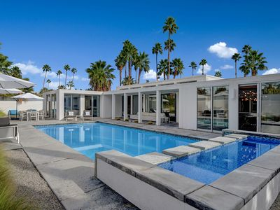Photo for Quintessential Palm Springs contemporary vacation home in historic Twin Palms