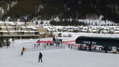 Our ski condo is the closet one to the red fence in center of picture.  Takes about 30 seconds to talk to Super B lift!!