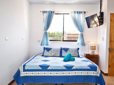 Fully equipped apartment with king bed and AC - 5 min from the airport