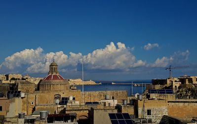 Photo for Pallazzetto, in Birgu/Vittoriosa, rooftop pool with views of sea and Valletta