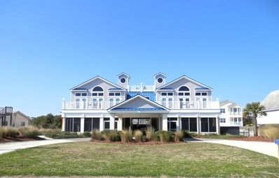 Photo for LARGE FAMILY Bring everyone. 3 kitchens sleeps 18 ,5000 sqft+POOL! Great views