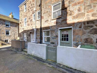 Photo for St Ives Apartment, Sleeps 2