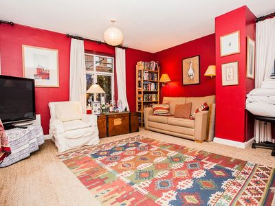 Photo for Gorgeous Spacious 3 Bed Apartment in Clapham