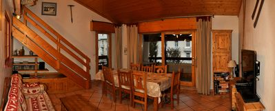 Photo for Duplex 6 persons with balcony in the heart of the thermal village
