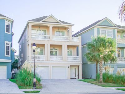 Photo for Hilton Head Island - Large House - Close To The Beach - Sleeps 20 In Beds