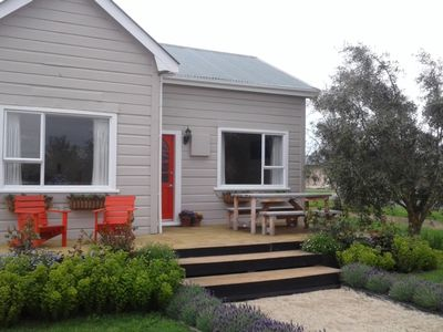 Photo for Adorable, 3 bedroom warm cottage.