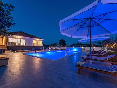 Photo for Spacious holiday home with great 72m private pool, jacuzzi, beautiful guesthouse