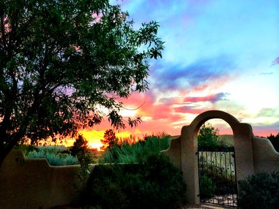 'Casa de Cielo'~ AMAZING Property ~15 Minutes to ABQ !! Outstanding REVIEWS :)
