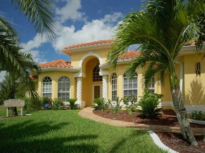 Photo for Welcome to Villa Pelican Bay, great location, pool, free WIFI