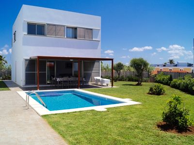 Photo for VILLA WITH 4 BEDROOMS, PRIVATE POOL AND A/C AND NEAR THE BEACH