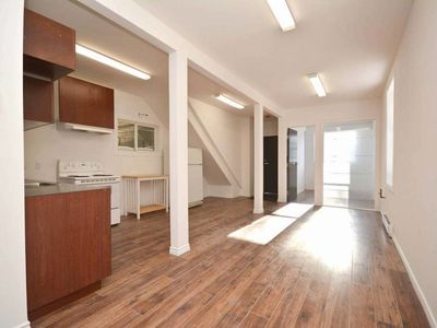 Photo for The perfect place for the perfect price in core of downtown Ottawa! Free parking!