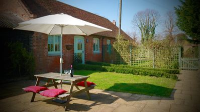 Photo for Peper; beautiful 5 Star Gold rated cottage in rural Kent.