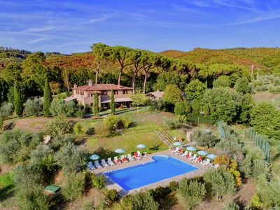 Photo for Agriturismo with swimming pool, private terrace, beautiful surroundings