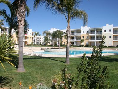 Photo for Apartment sea view, pool, 200m beach and center of the village of Alvor