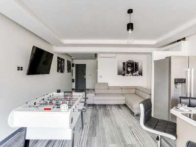 Photo for Large and Modern 2 Bedrooms close Martinez